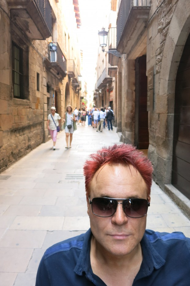 MIk on the streets of BCN